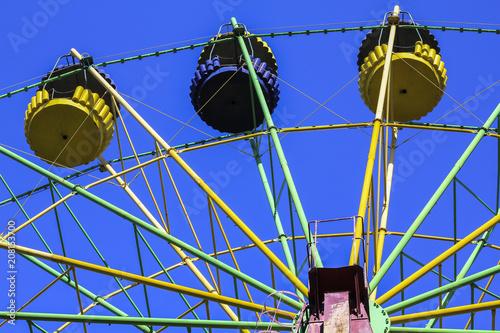 Fotobehang Amusementspark Old Ferris wheel