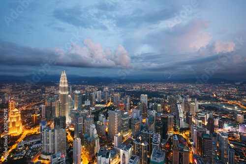 Fotobehang Kuala Lumpur Kuala Lumpur city at dusk, Malaysia
