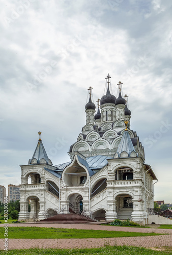 Fotobehang Moskou Church of the Annunciation of the Blessed Virgin in Taininskoye, Russia