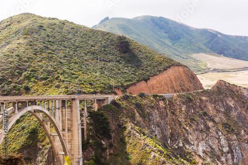 Fotobehang Bergrivier coastal bridge
