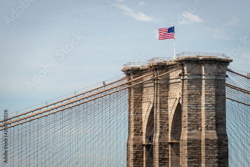 Aluminium Brooklyn Bridge American flag on Brooklyn Bridge, New York