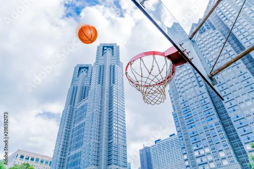 Fotobehang Basketbal 野外のバスケットボールコート