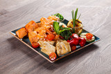 Fish and prawn plate - 208415554