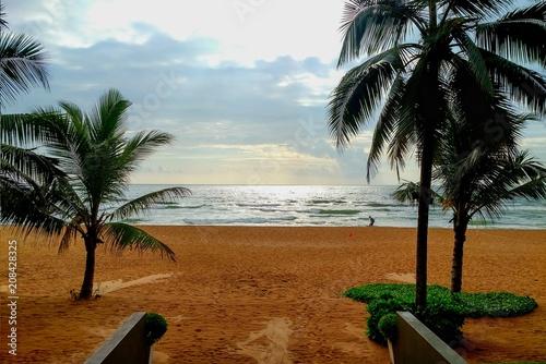 Fotobehang Tropical strand Beach after rain