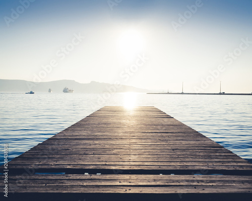 Plexiglas Pier Towards the sun
