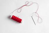 Filo rosso per cucire  - 208485317
