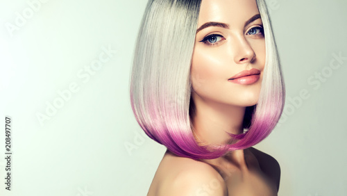 Leinwanddruck Bild Beautiful hair coloring woman. Fashion Trendy haircut.Ombre bob short hairstyle. Blond model with short shiny hairstyle. Concept Coloring Hair. Beauty Salon