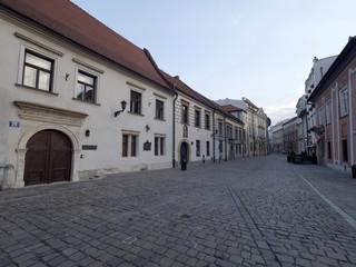 Krakowskie stare ulice w godzinach porannych