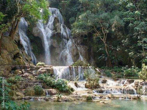 Fotobehang Natuur Kuang Si Waterfall in Luang Prabang, Laos