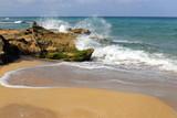 берег Средиземного моря на севере Израиля       - 208621345