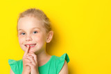 Kid making silence gesture - 208654729