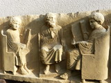 Römisches Schulszene-Grabmal in Neumagen-Dhron / Mosel - 208657378