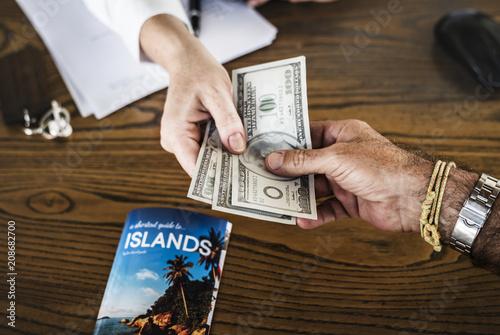Leinwanddruck Bild Payment for a trip