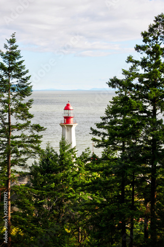 Fotobehang Vuurtoren Historic Point Atkinson Lighthouse in West Vancouver