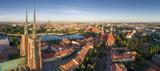 Widok z lotu ptaka na Ostrów Tumski, rzekę oraz południową część miasta - Wrocław, Polska - 208834378
