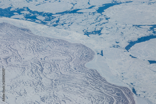 Aluminium Bleke violet An Aerial View looking at the frozen landscape of Hudson Bay, Canada
