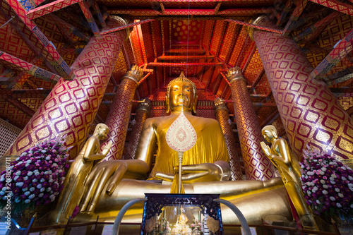 Fotobehang Thailand Buddha culture, Wat Phanan Choeng, Ayutthaya, Thailand