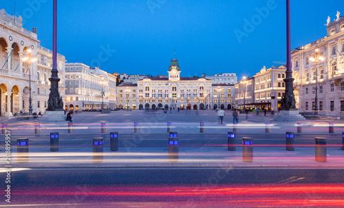 Foto Murales Piazza dell'unità d'Italia, Trieste, Friuli Venezia Giulia, Italia