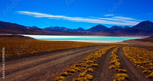 Laguna Verde od dołu Licancabur (5919 m), Boliwia