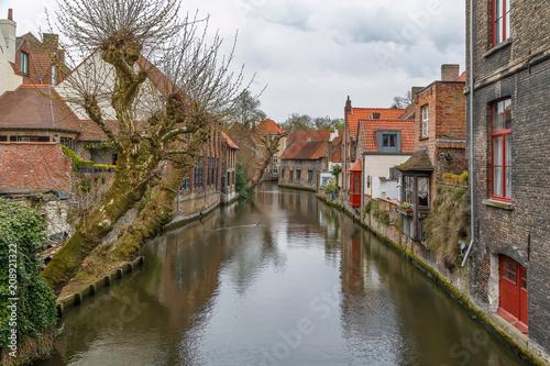 Widok na kanał Brugia, Belgia