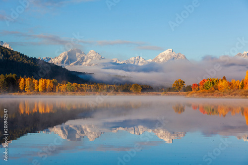Fotobehang Donkergrijs Scenic Reflection Landscape of the Tetons in Autumn