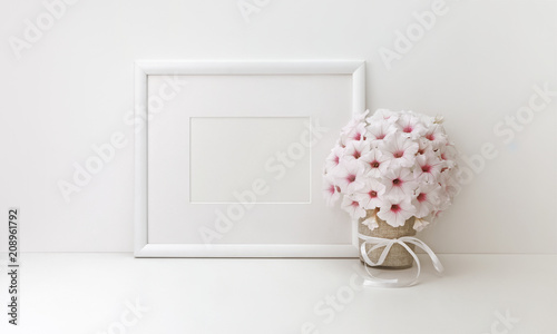 Foto Murales Horizontal frame mockup, styled stock photos, white flowers
