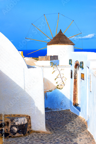 Aluminium Santorini Windmill on Santorini island, Greece. Typical Aegean and cycladic architecture.