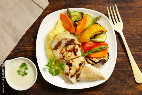 Foto Murales healthy food chicken fillet steamed and vegetables