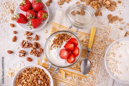 Foto Murales Healthy breakfast in a glass jar