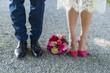 Leinwanddruck Bild - Schuhe von Braut und Bräutigam - Hochzeit - Blumenstrauß