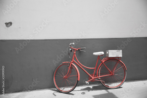 Fotobehang Fiets Red bicycle