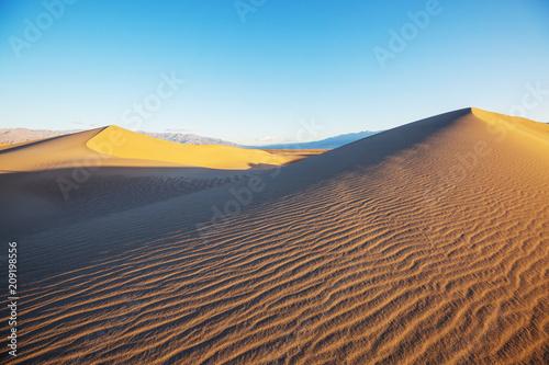 Fotobehang Galyna A. Sand dunes in California