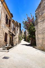 Ruelle centrale du village de Bruniquel,Tarn, Midi-Pyrénées, Occitanie, France © AWP