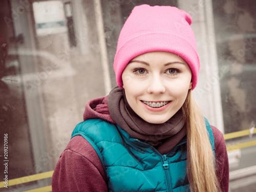 Fotobehang Hardlopen Woman wearing sportswear outside during autumn