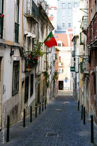 Ulica w Lizbonie - 209273305