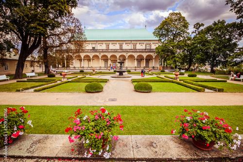 Das Lustschlösschen der Königin Anna in Sommer in Prag, Tschechische Republik