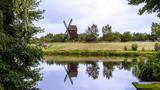 Spiegelung alte Windmühle - 209310905