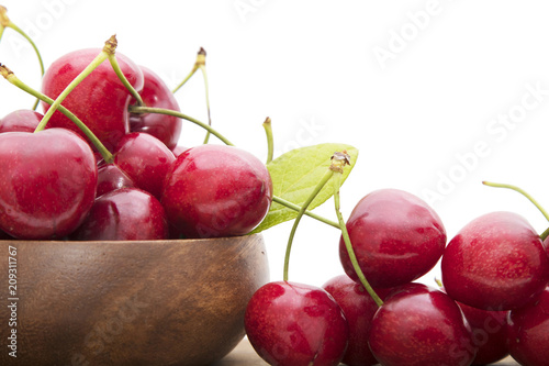 Fotobehang Kersen isolated cherries in white background