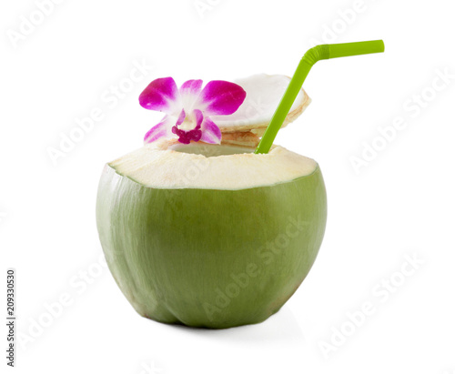 Foto Murales Green coconuts with drinking straw isolated