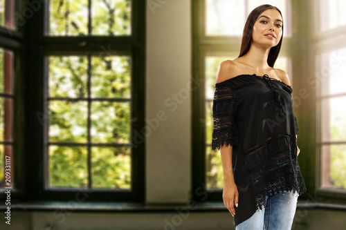 Foto Murales woman and window background