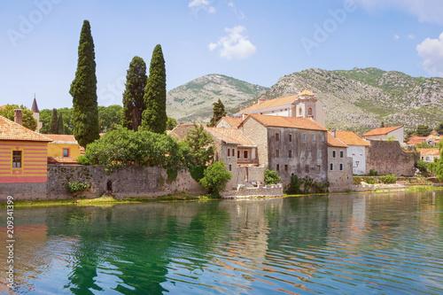Foto Murales Old Town of Trebinje is on bank of Trebjisnica river. Bosnia and Herzegovina