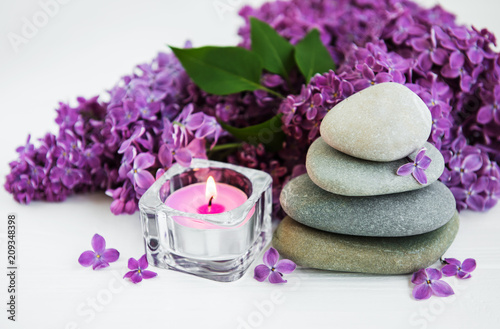Aluminium Spa spa products and lilac flowers