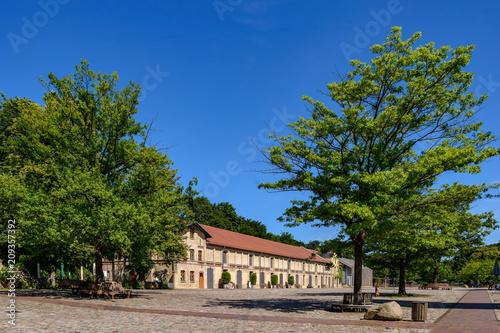 Aluminium Berlijn Historischer Pferdestall im denkmalgeschützten ehemaligen Gutshof Berlin-Britz