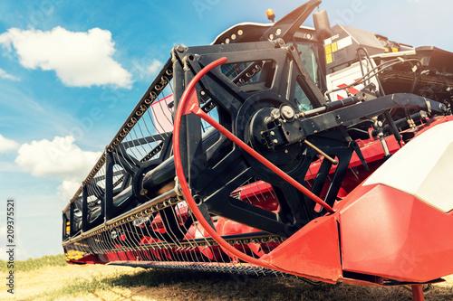 Fotobehang Trekker combine harvester draper head closeup