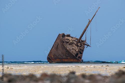 Fotobehang Schip shipwreck in sinai
