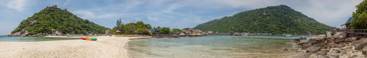 Panoramic view of Koh Nang Yuan, a popular snorkelling and diving destination near Koh Samui in Thailand