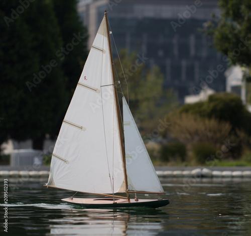 Fotobehang Zeilen model boat