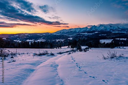 Aluminium Nachtblauw Winter mountain sunrise, Little Poland landscape