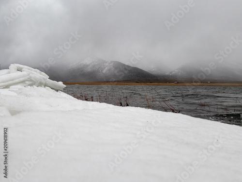 Foto Murales Utah Lake with Snow