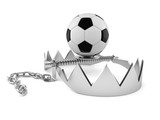 Soccer ball with bear trap - 209735940